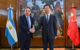Nicolás Dujovne with Xiao Jie